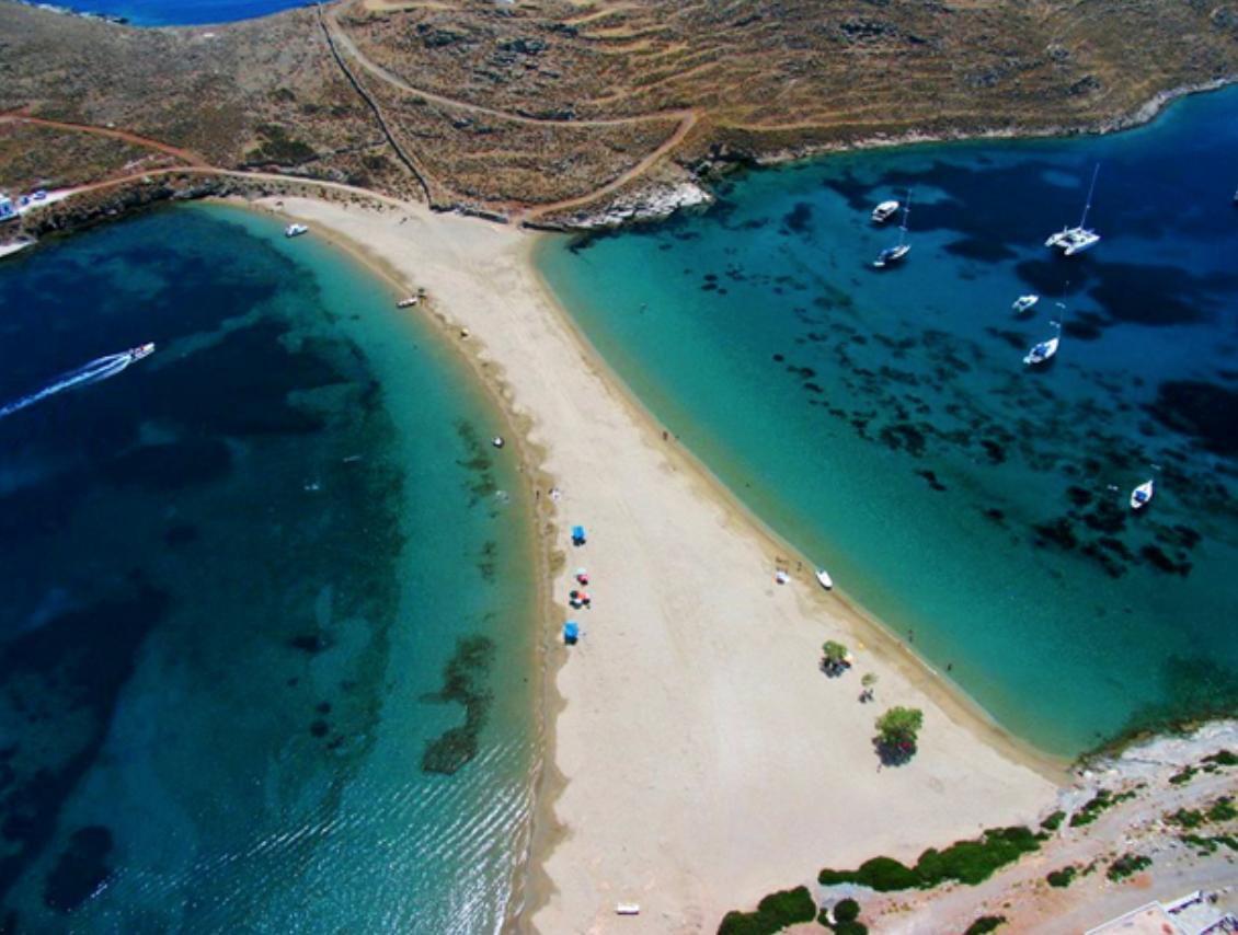 Kolona beach
